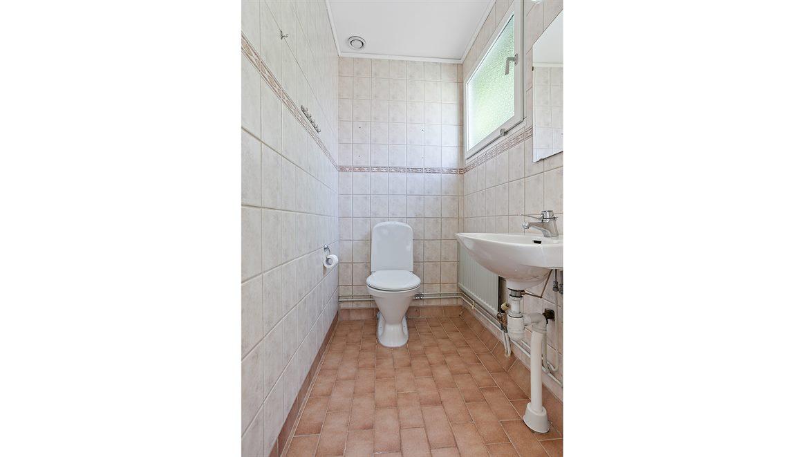 Helkaklad separat WC entréplan